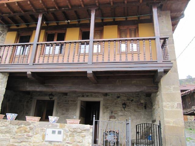 Alquiler de Casa en la montaña de Asturias - Jomezana de Abajo