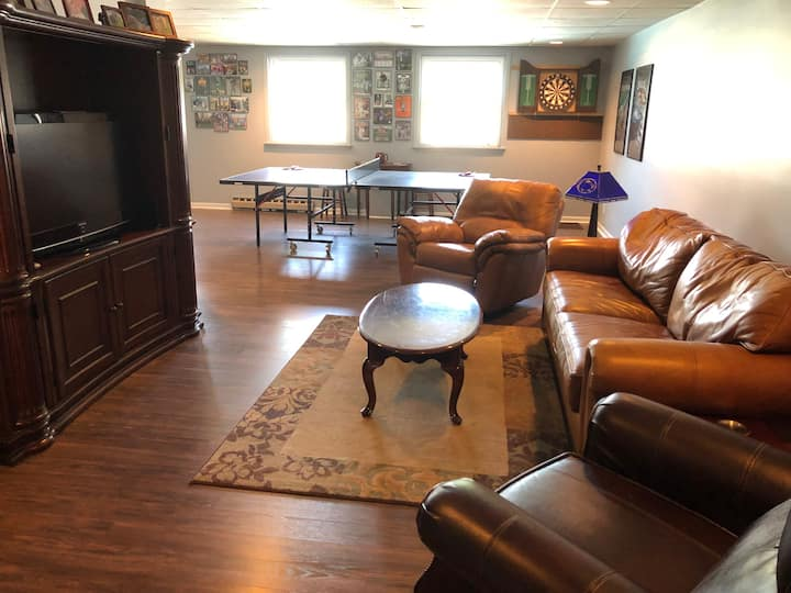 2 BR 1 Bath, sleeps 6-8,   5 miles to PSU