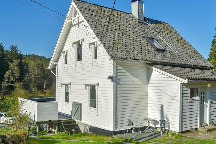 8 person holiday home in Uggdal