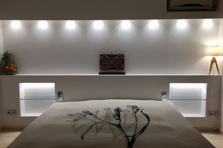 House for 8-9 people to visit Barcelona