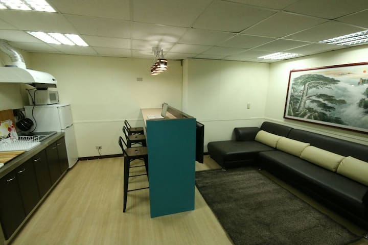 Large open plan apartment (2 Bedrooms)