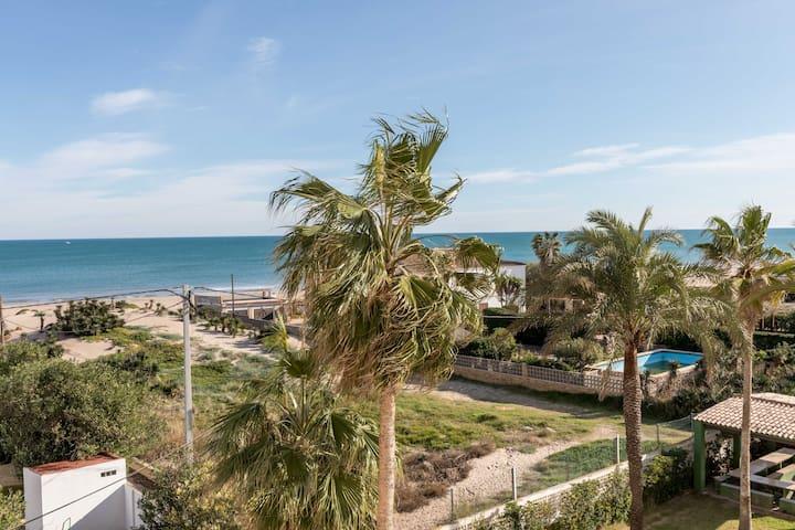 Valencia -Perello Apartment on the beach.