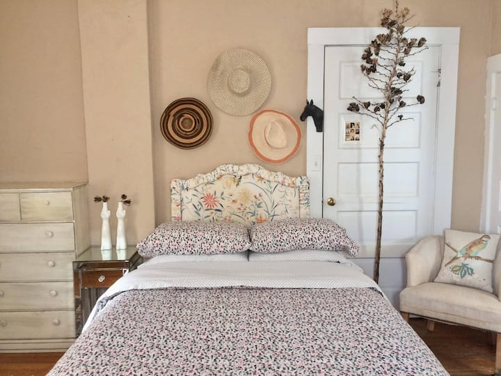 Painted Lady ♡ Eclectic Room