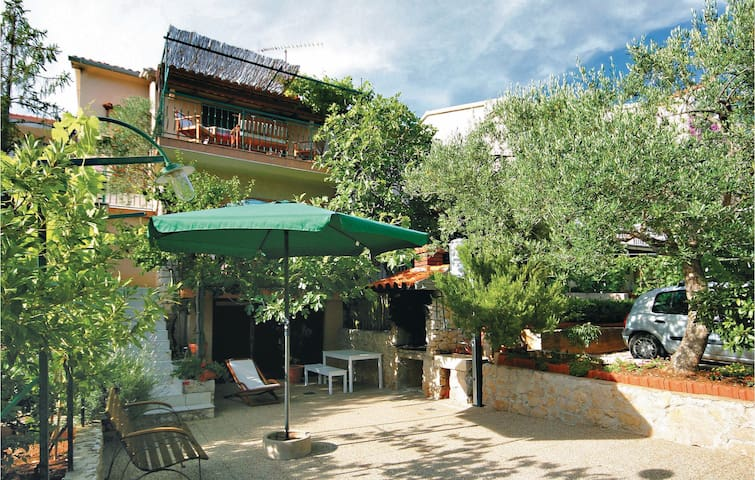 Holiday apartment with 3 bedrooms on 60m² in Zaboric