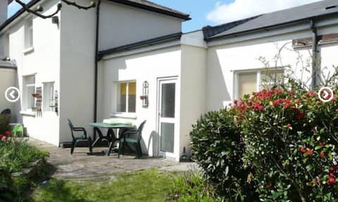 2 bed apartment in ❤️ Wales Nr Cardiff