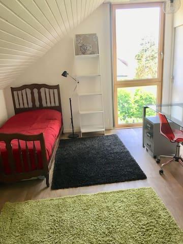 Chambre étudiant spacieuse au calme - Est de Lille