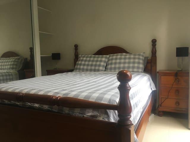Modern Room - Tropical Surroundings (C) - Westcourt - Дом