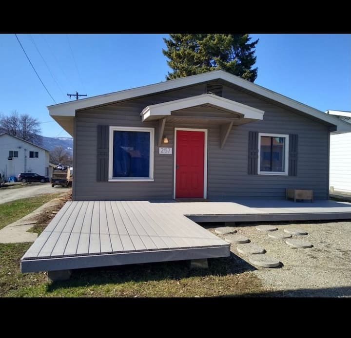 Updated Colville Home! 3 bdrms 1 bath & laundry!