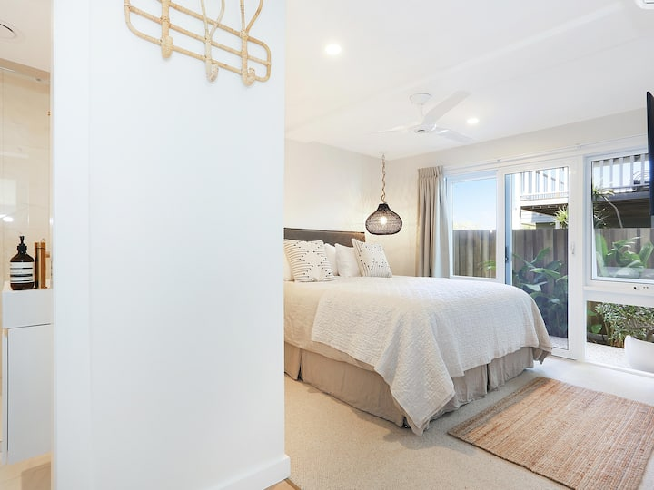 Angourie Room - NEW Surf Luxe Style Angourie