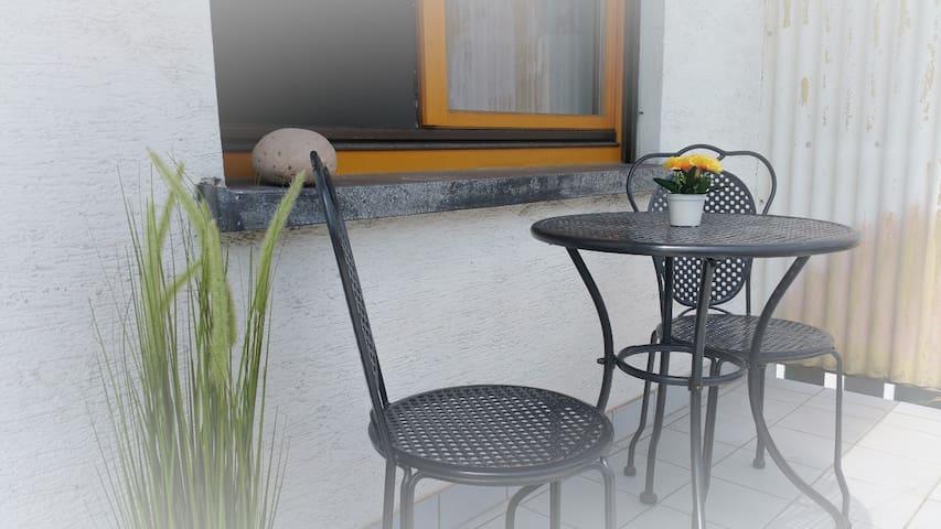 Room in Graben-Neudorf 3, discount from 1 week