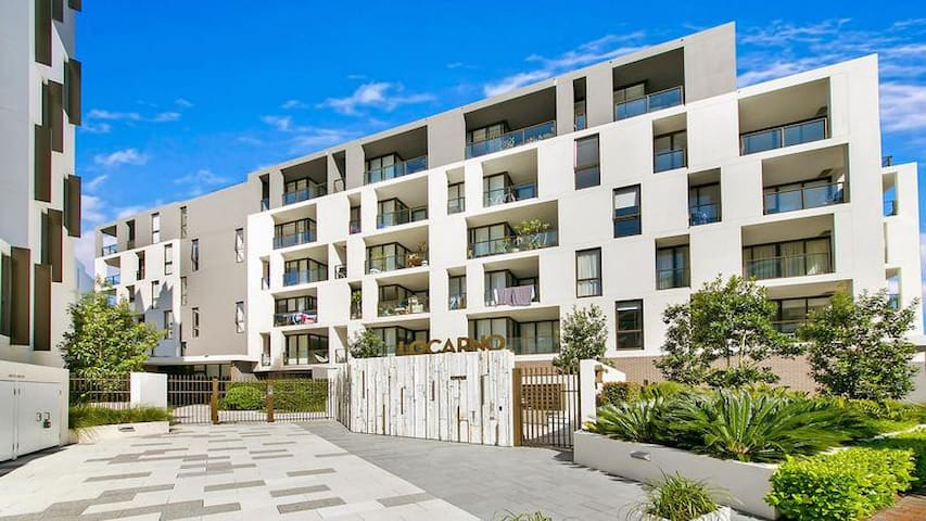 Luxury One Bedroom Apartment in Forest Lodge/Glebe
