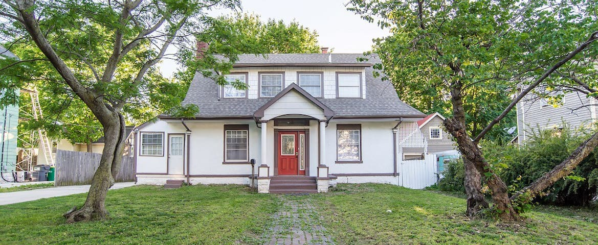 Remodeled Historic Home In The Heart Of Wichita