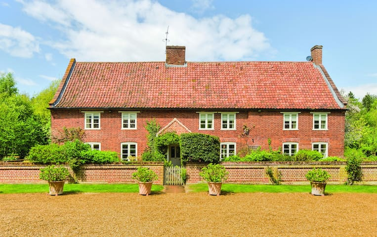 Woodfarm House,  North Norfolk - Helhoughton - Szoba reggelivel