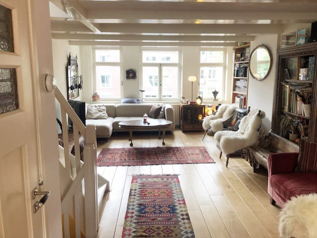 Charming flat in historic centre and two cute cats