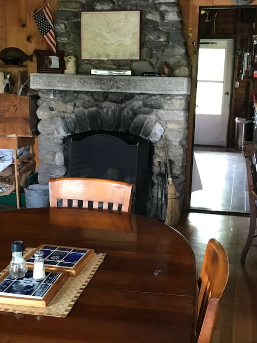 Working fireplace, indoor and outdoor dining