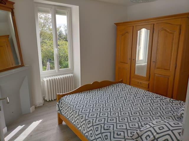 chambre 1 : Un lit 2 places (160x200)  (étage)