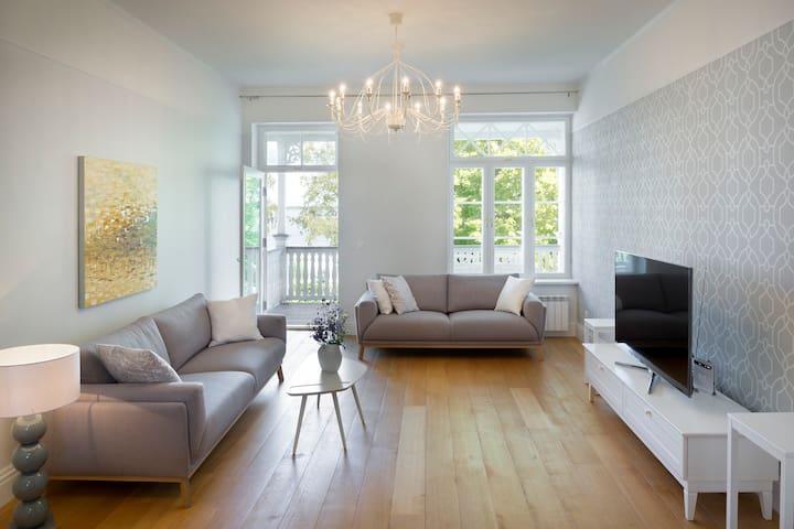 Exclusive Promenade Apartment With Seaview 100m2