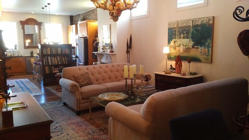The Hudson Guest House,  1 reservation per weekend