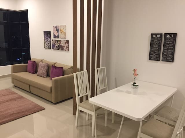 Chymes@Gurney - 2 beds/2 baths in central KL