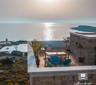 Ô Fleur de Sel sea view suite (2 bedrooms + roof)