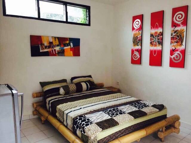 Cheap ROOM near the Beach
