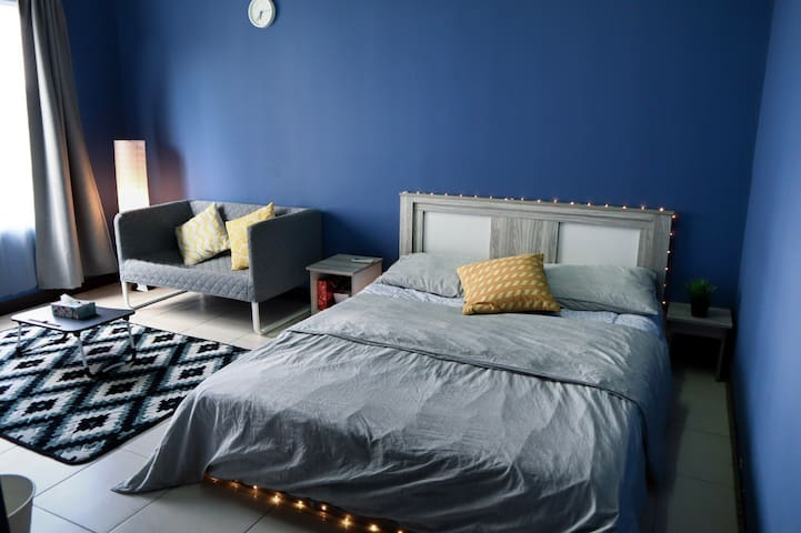 Private room, Daily, Weekly, Monthly. Near MRT