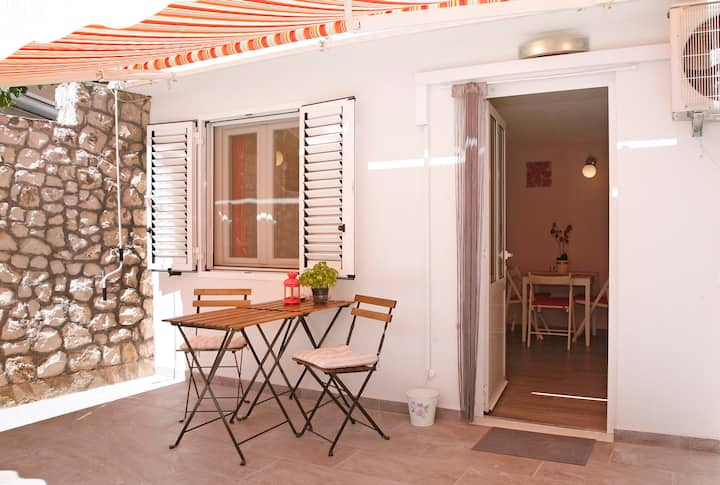Villa ZEN Trogir - Apartment Okrug, Overflow POOL
