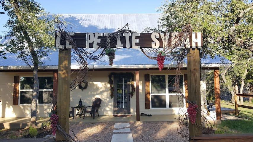 Le Petite Syrah - Wimberley - Houten huisje