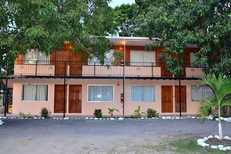 Mapi's Cabins Near Ferry & Beach #8 - Paquera - Cabin