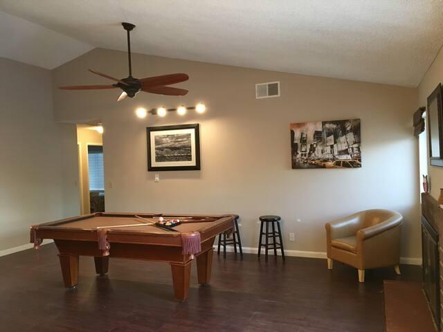 pool/SPA/BBQ/Billiard 3miles to The Strip - Las Vegas - Villa