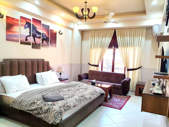 Luxurious Studio Apartment in Bahria Town