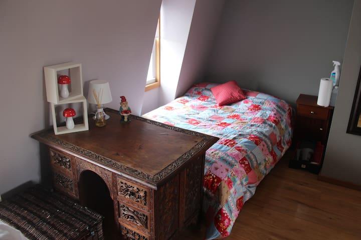 3rd floor double bed