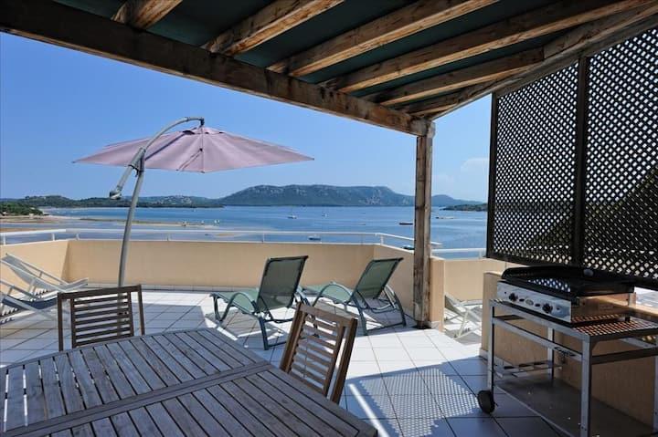 Baie de Porto-Vecchio – Appartement avec grande terrasse face à la mer – idéal pour famille jusqu'à 8 personnes