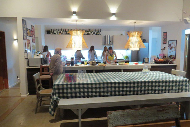 cocina incorporada al family room