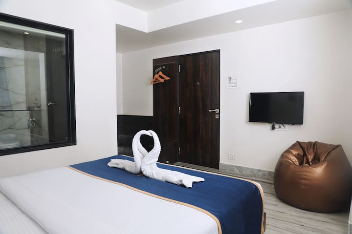 Cool & Cosy stay in Lonavala