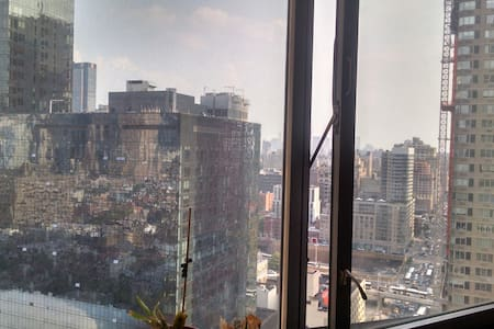 Hell 39 S Kitchen New York Holiday Rentals Accommodation Airbnb Ap