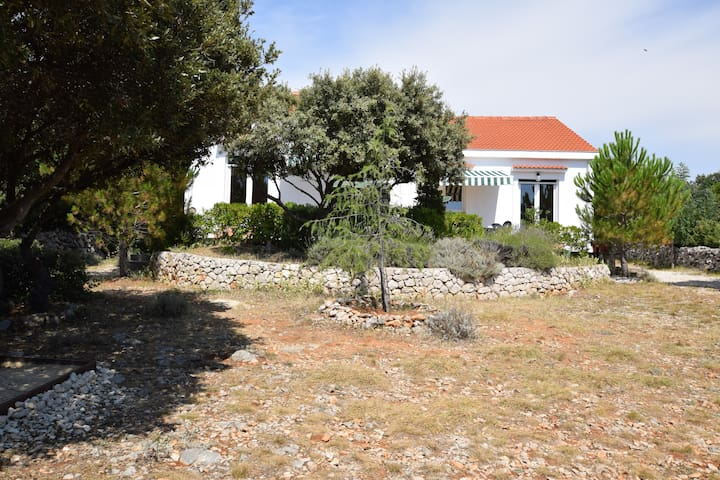 House with garden,300 m distant from the sea! BBQ - Mandre - Hus