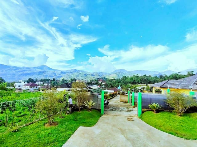Villa Puncak Facilities complete with Montain view