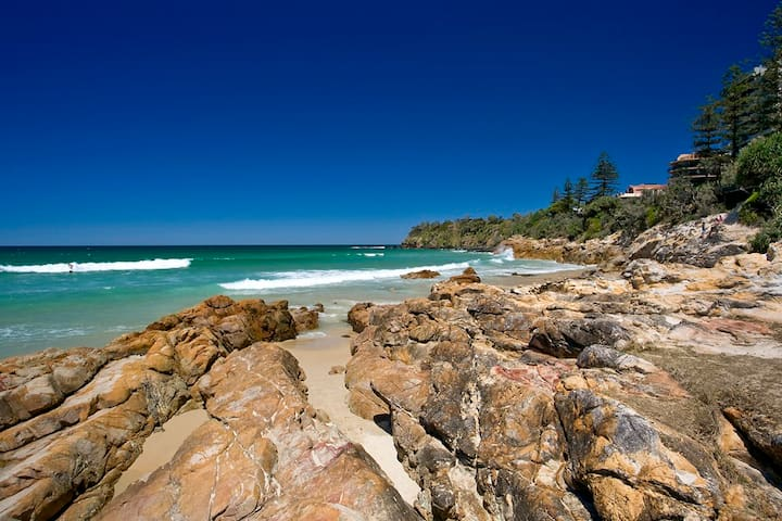 Single bed in Coolum. Great spot, walk to beach!
