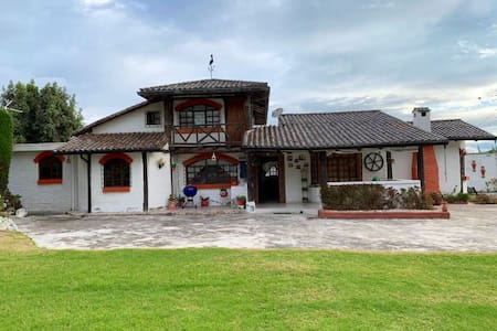 Beautiful country house close to Quito