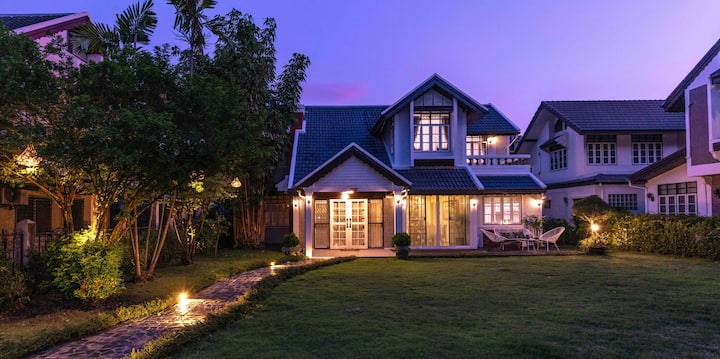 NEW&BEST RATE!! Spacious Garden Villa @Nimman MAYA