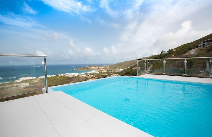 New! Luxury Oceanview Estate -Modern Custom Design - Upper Prince's Quarter - Villa