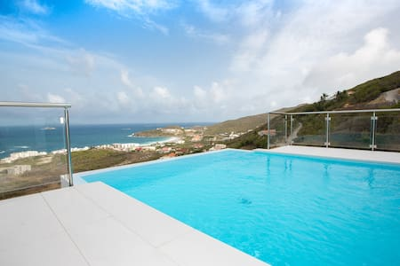 New! Luxury Oceanview Estate -Modern Custom Design - Upper Prince's Quarter