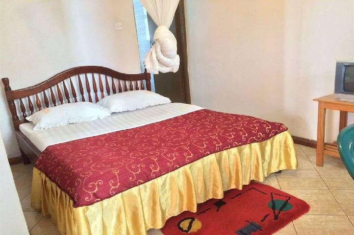 Westend Motel - Fort Portal - Bed & Breakfast