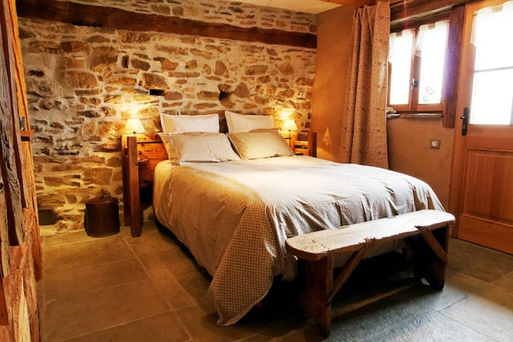 Bed and breakfast : La Bourrassee, L'Establon