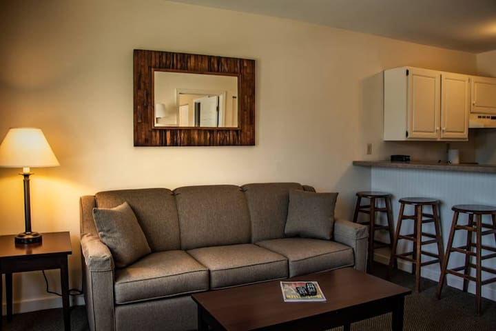 Jiminy Peak Country Inn Suite