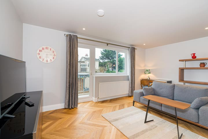 Fabulous Twickenham/St Margarets Maisonette for 4