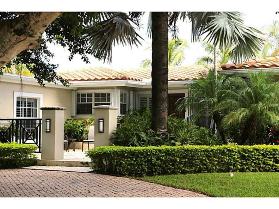 Casa Del Sole Ftl Waterfront Beach Home Houses For