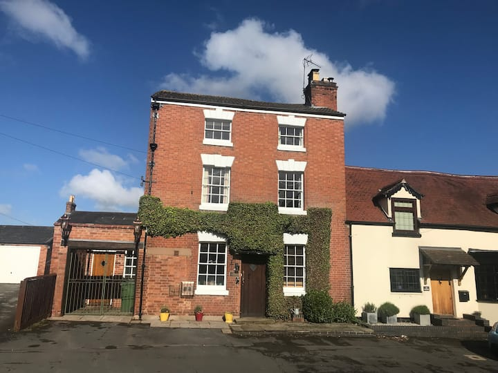 Double room in The Old Dairy, Radford Semele.