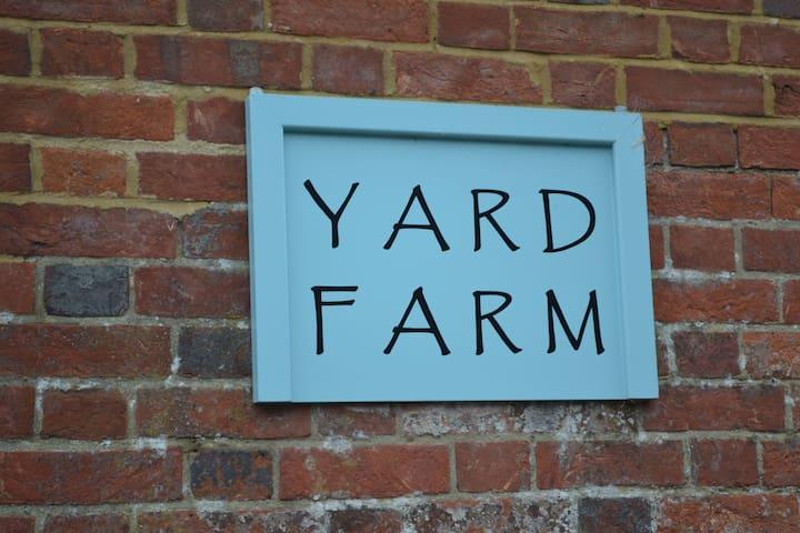 Yard Farm Apartment